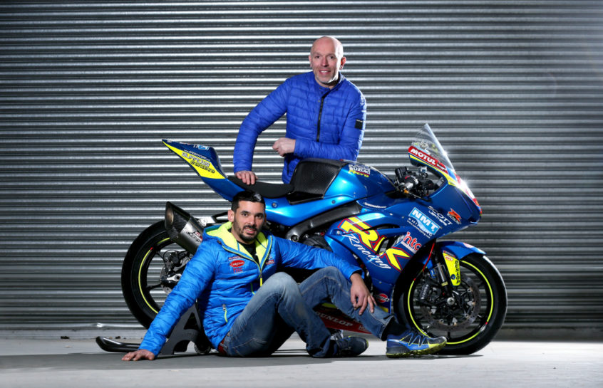 [Road racing] Saison 2019 Shiels-and-Burrows-with-bike-846x545